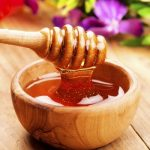 Как лечить кашель молоком с медом: полезные свойства популярных продуктов