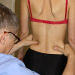 Сколиоз позвоночника - причины, симптомы и лечение