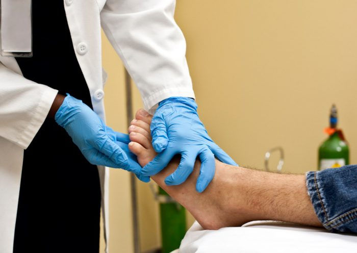 Травма ноги осмотр врача