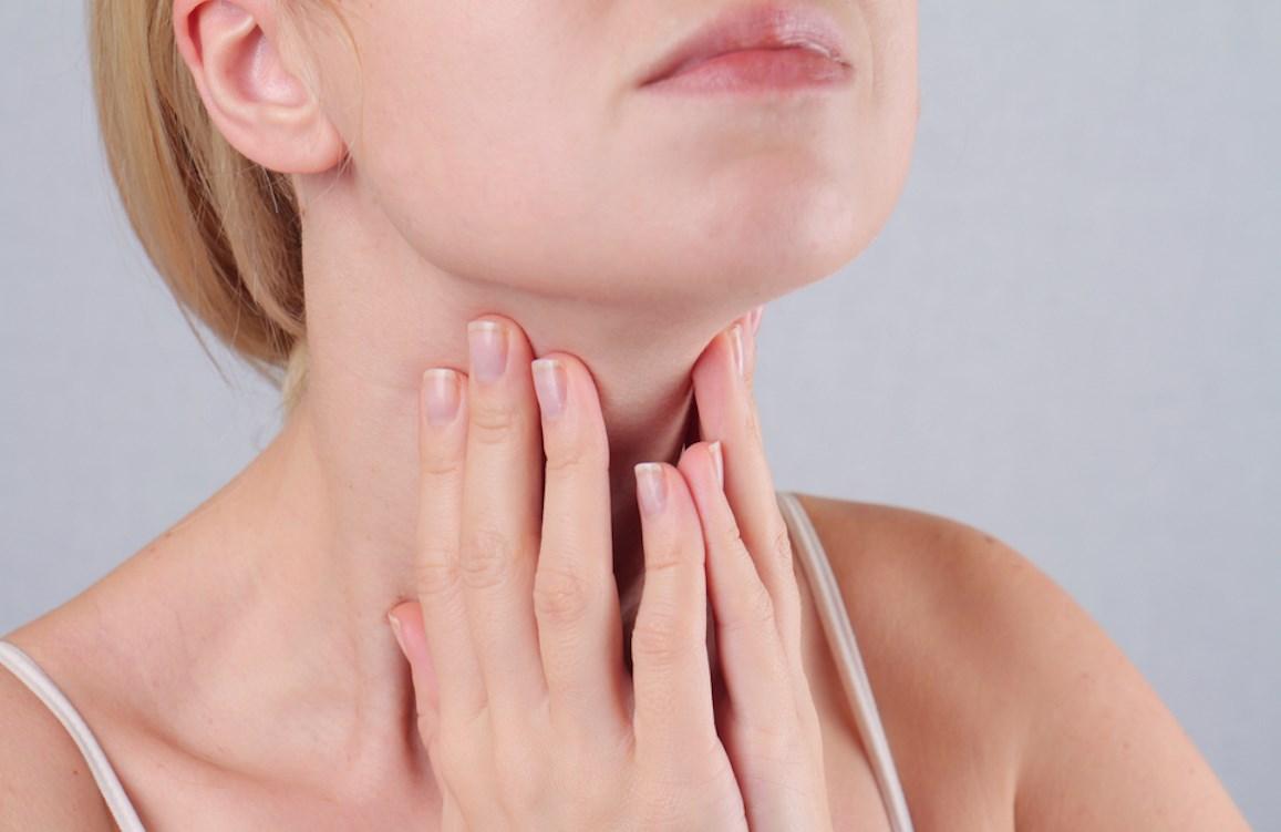 Лимфоузел под челюстью болит