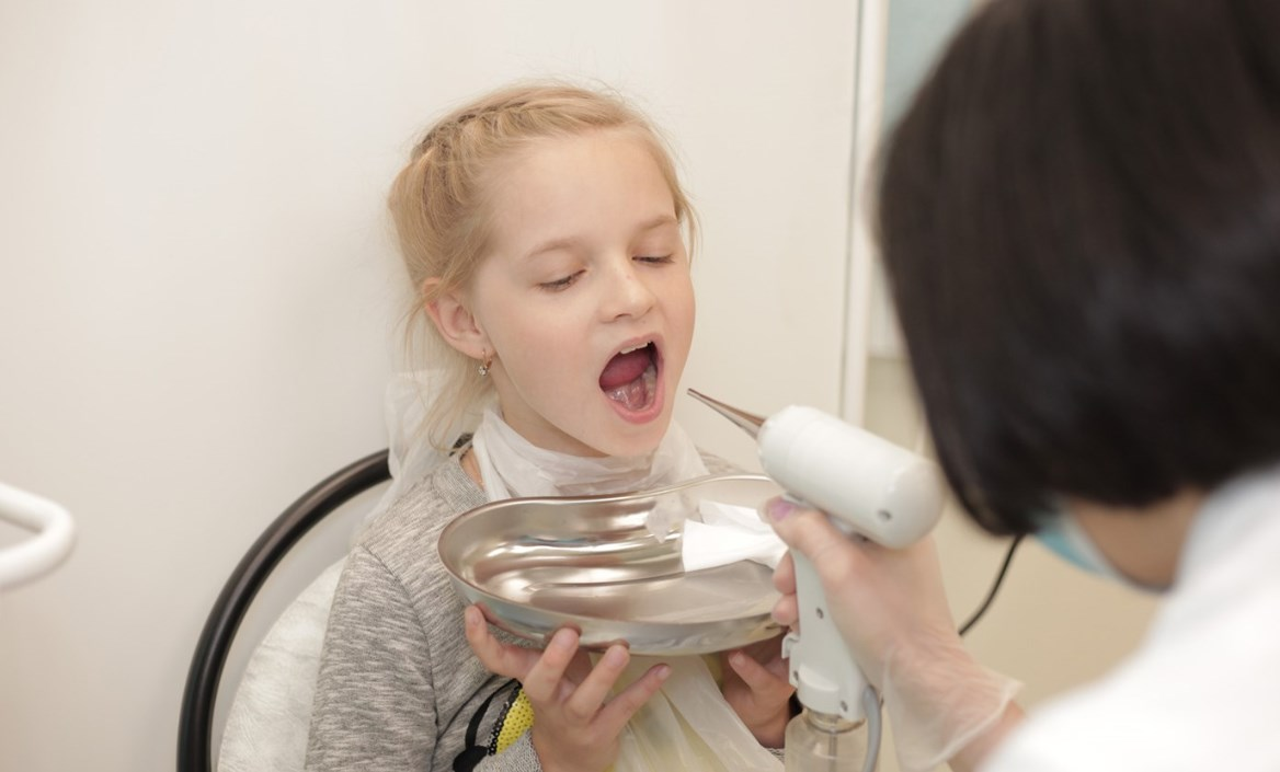 Промывание аденоидов у ребенка