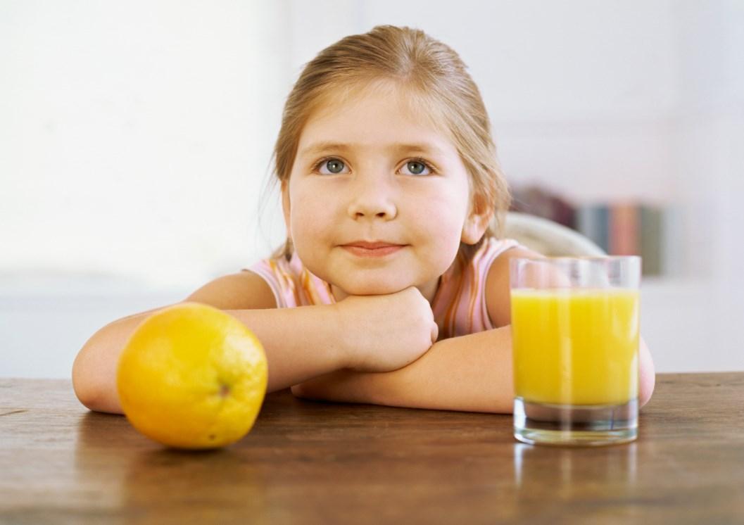 Апельсиновый сок ребенок