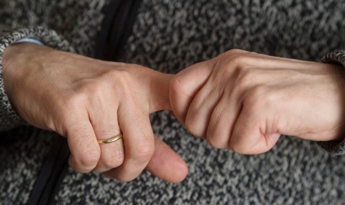 Хруст пальцами