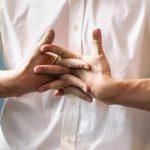 Причины хруста в пальцах рук