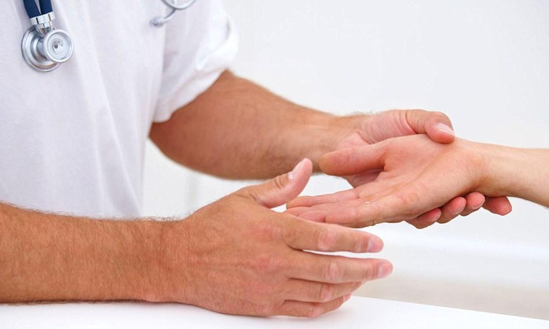 Опухают пальцы осмотр у врача