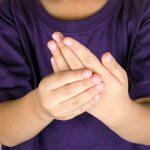 Причины и симптомы ревматоидного артрита у ребенка