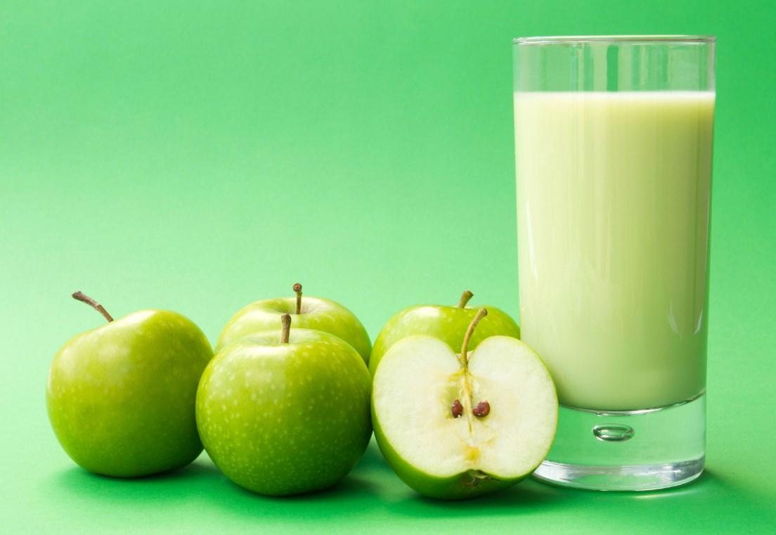 Кефир и яблоки для разгрузочного дня