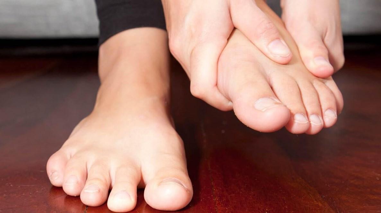 Болит косточка на ноге