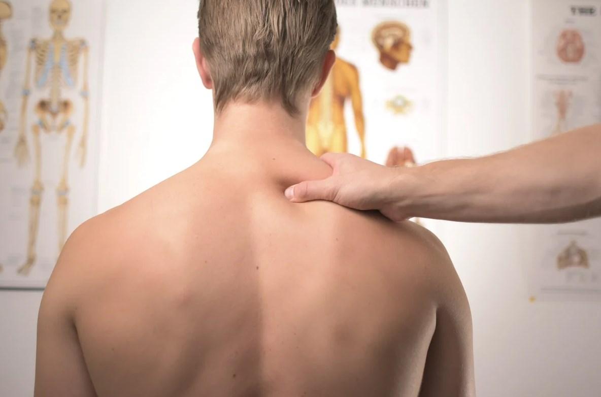 Болит спина массаж