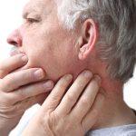 Вывих челюсти – что делать, особенности лечения