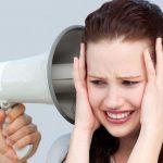Чем опасна, как лечить акустическую травму уха