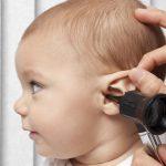 Первая помощь и лечение при болях в ухе у ребенка